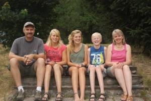1307 Family photo_09